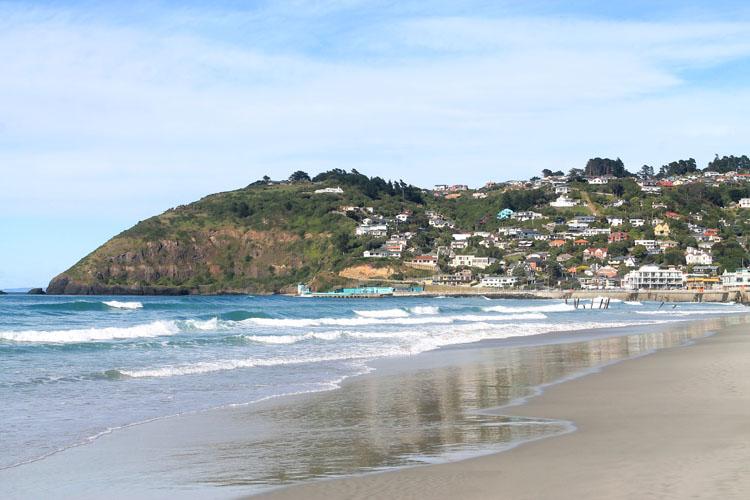 Walking along St Clair / St Kilda Beach, Dunedin, New Zealand