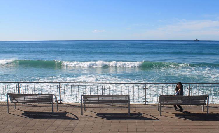 The Esplanade on a sunny day -- St Clair Beach, Dunedin, New Zealand