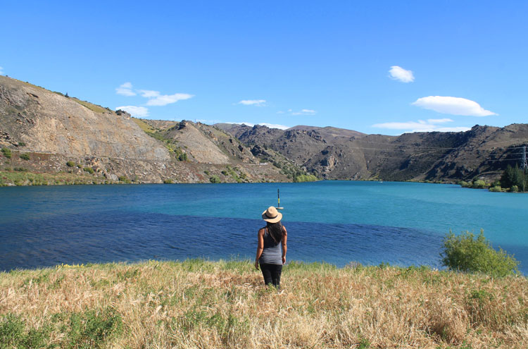 Cromwell travel guide, New Zealand: a view of Lake Dunstan, Central Otago