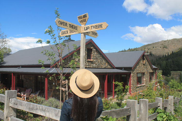 Clyde travel guide, Central Otago, New Zealand -- a cool sign