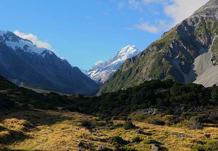 Starting the Hooker Valley Track, Mount Cook National Park, New Zealand