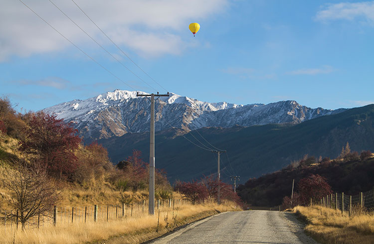 Mountain scenes on a road close to Arrowtown, New Zealand