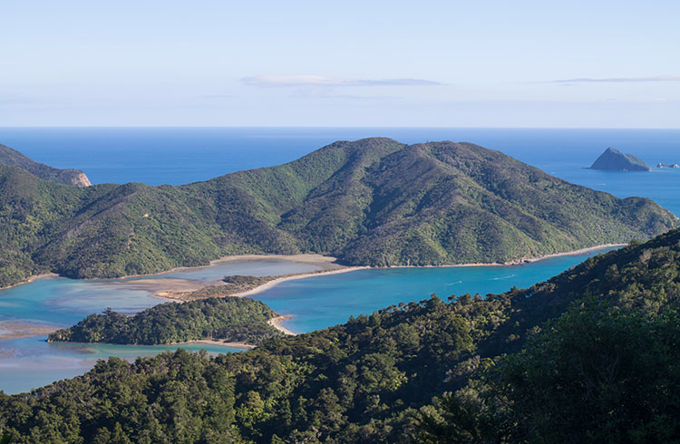 Viewpoint on the way to French Pass, Marlborough Sounds, New Zealand