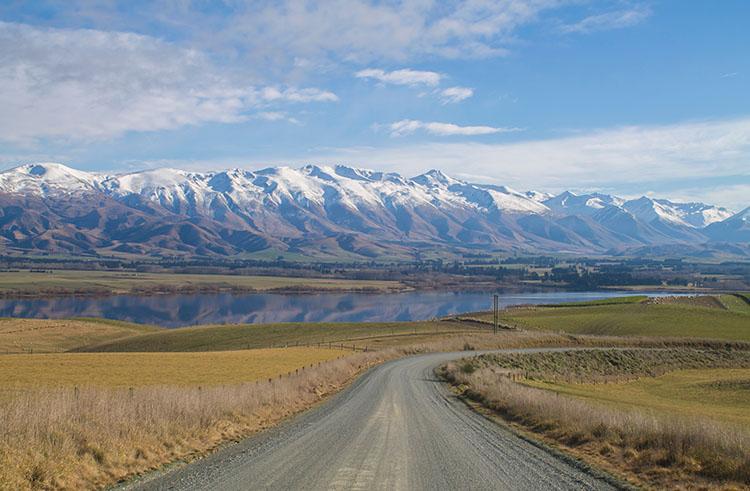 A gravel road at Lake Opuha, Fairlie, New Zealand