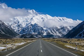 The scenic drive to Mount Cook, New Zealand