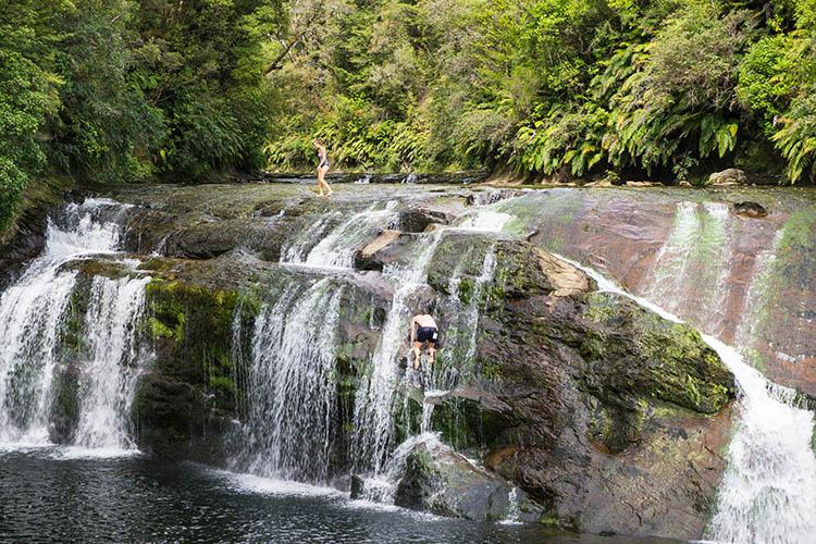 Coal Creek Falls swimmers, New Zealand