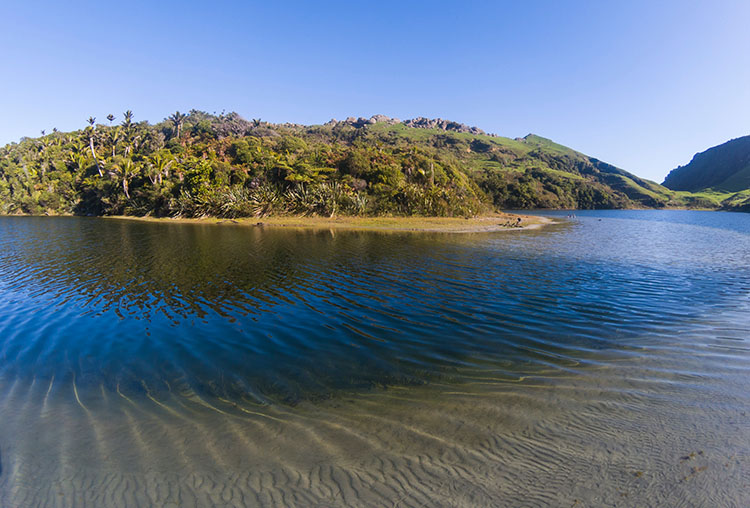 Kaihoka Lakes, on the way to Anatori, New Zealand