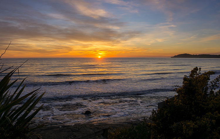 Moeraki Beach sunrise, New Zealand