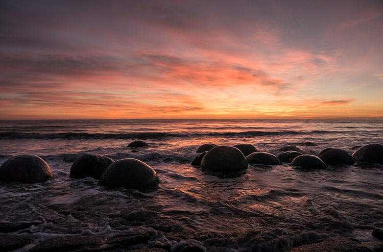 Moeraki Boulders sunrise, New Zealand