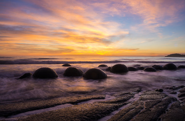 Sunrise at Moeraki Boulders, Coastal Otago, New Zealand