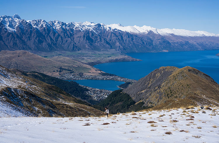 Hiking on the South Island in winter