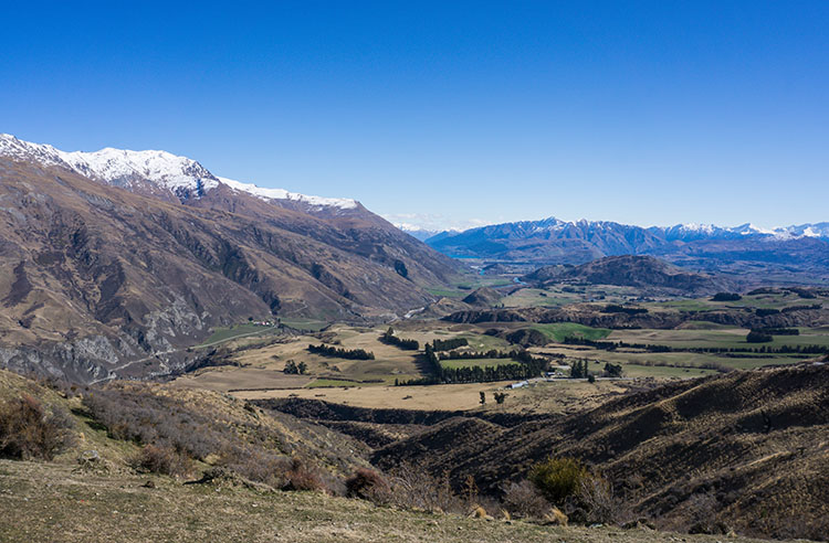 The scenic drive from Queenstown to Wanaka, New Zealand