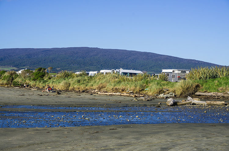 Freedom camping at Monkey Island, Southland, New Zealand