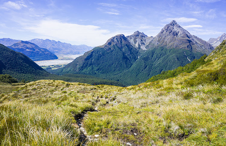 Hiking the Sugarloaf Pass Track, Glenorchy