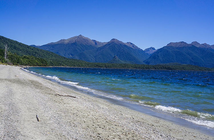 Frasers Beach, Manapouri