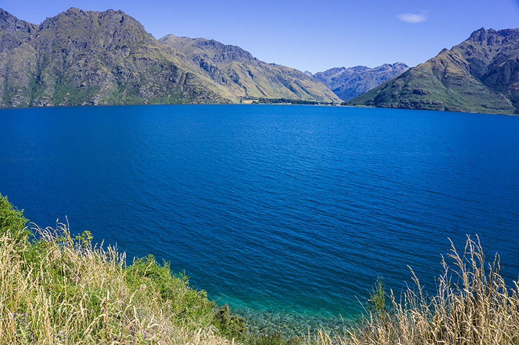 Driving from Queenstown to Te Anau and Milford Sound: The Best Places to Stop